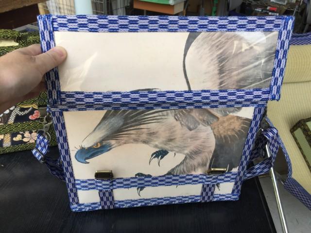 1ページトップのトランク、蓋を開けるといきなりこれだ。鳥好きの私にはこれが一番ヒットでした。しかし鳥グッズの範疇でいいのかこれ。