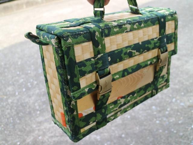 これはどちらかといえばカワイイ系かと思ったけど、使われている畳縁が迷彩柄なのよ。こんな縁あるのね!