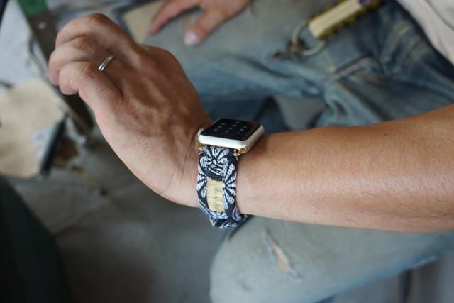 Apple Watch  のバンドも畳で作る!だって、無いから!