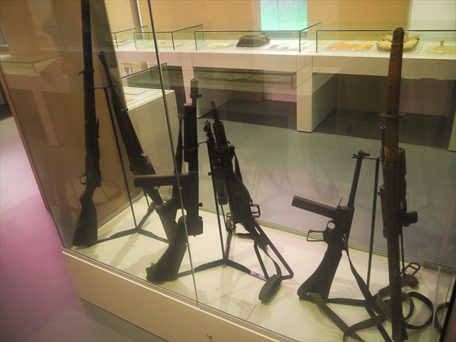 没収した銃器とか刀とか、