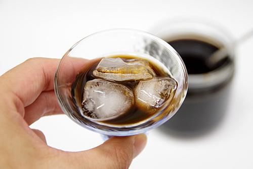 これは氷砂糖入りのタイプなので、このままでも程よく甘い。
