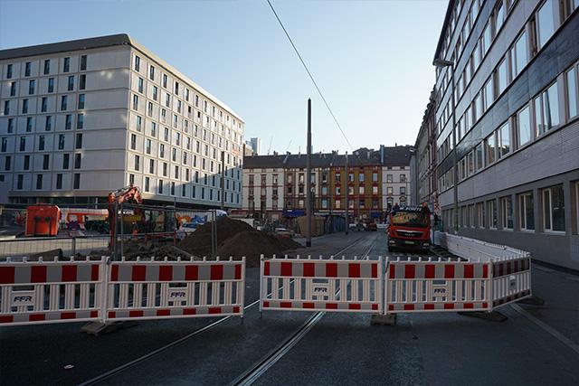 しかし振り返るとドイツである(何かの工事中だった)。白昼夢のような光景だ。