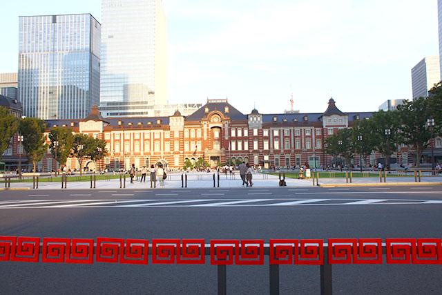 冒頭にも使った東京駅と雷紋の写真。