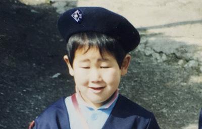ちなみにシークレットはブルゾンちえみみたいな顔で写っている幼稚園の頃の僕です