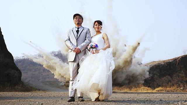新婚さん、いらっしゃーい!(ドカーン!) (写真はこちらの記事</a>から)