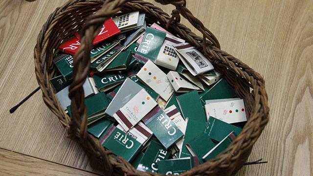 カフェ・ド・クリエの紙マッチも大量に備蓄。