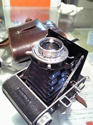 これはまともな方の遺品。ミノルタのすごく古いカメラ。