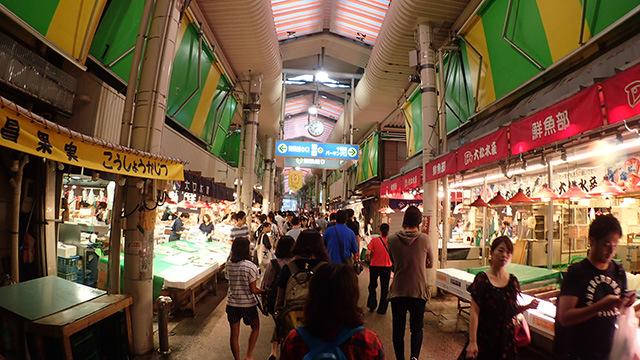 金沢の台所、近江町市場。