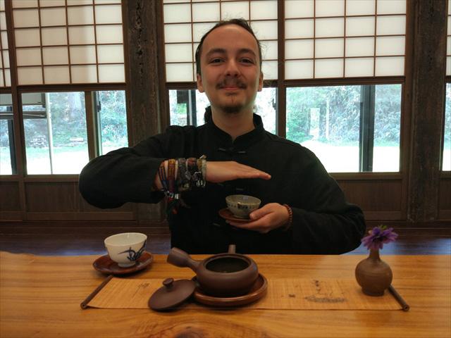 グナーさんがお茶を淹れるときにしている毎回しているルーティン。「お茶を淹れるときにするルーティン」!