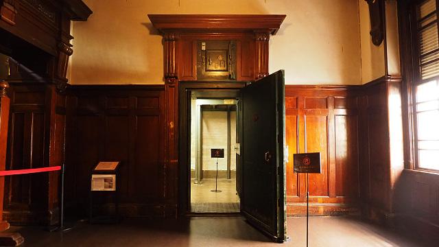 この奥が金庫室。2012年まで使われていたそう。