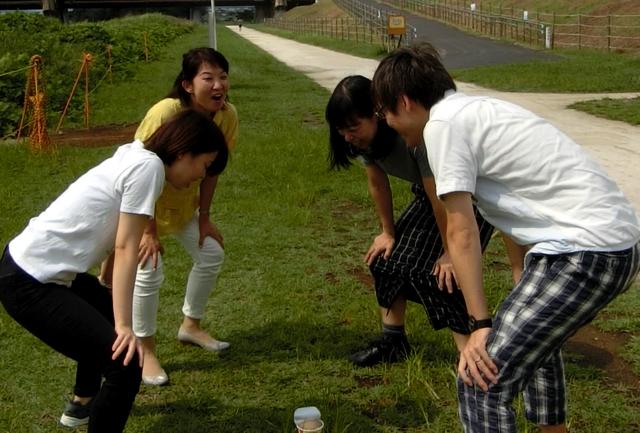 橋田「最高のプレーを!」  <br>全員「はい!」  <br>與座「絶対美味しくたべるぞーD中ーー!」
