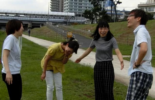食べ終わり、大げさな空気に耐えきれず笑ってしまった。 橋田「走ったあとだと単純に食べるのがつらい」 石川「長くなれば長くなるほど考えることが増えてダメだ」