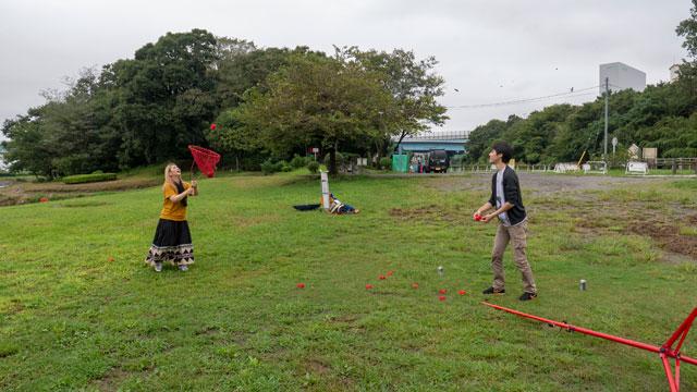 投げた玉をカゴだけ持った人がキャッチする、という東京フレンドパークみたいな競技もやった。これは準優勝。