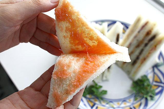タラコのサンドイッチ。