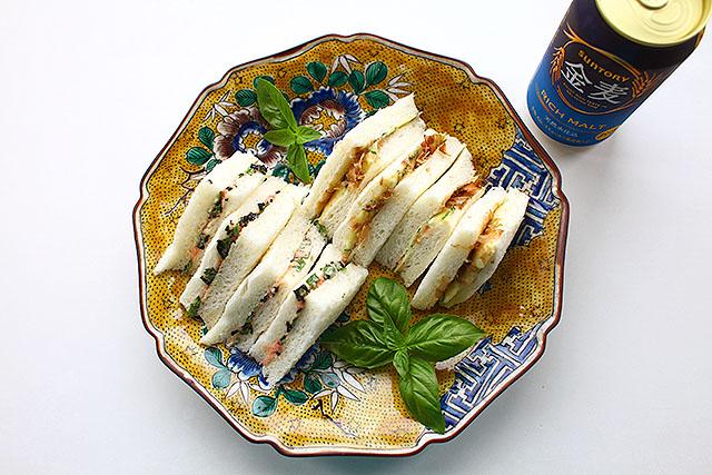 シン・おむすびの具サンドイッチ。
