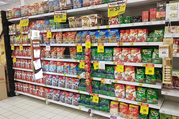 まずはタイ。スーパーに並ぶミロ(画像提供:タイ在住のライター・ネルソン水嶋さん)