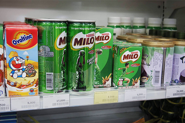 ベトナム。缶のミロ(これも西村さん)