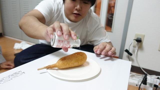 北海道では砂糖をかけてアメリカンドッグを食べるそうだ。塩でも合う。これは満場一致だった。