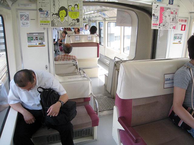 ドアなしの例。東京モノレール