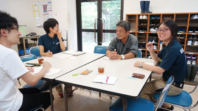 左から筆者、落合さん、田邊さん、伊藤さん
