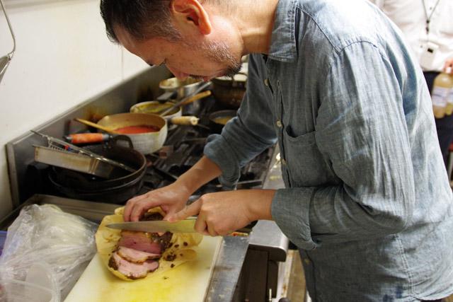 チャーシューの焼き方が私と似てるのは、私が辻村さんから教わったから。