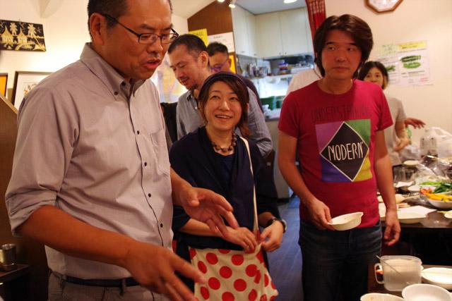 「味が濃すぎるところはカイワレと食べて。ダマがあるところは当たりですから。味のムラがいいんです!」と、どこまでもダマにこだわった山田さんでした。