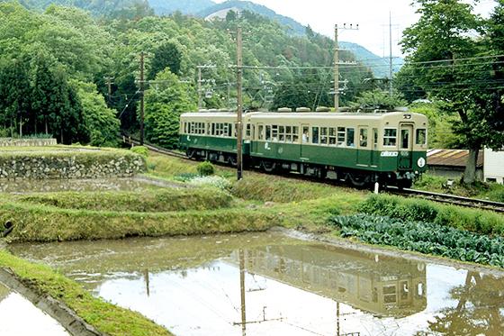 元気だったころの叡山電鉄鞍馬線。10月末には運転再開の予定。Photo:Wikipedia