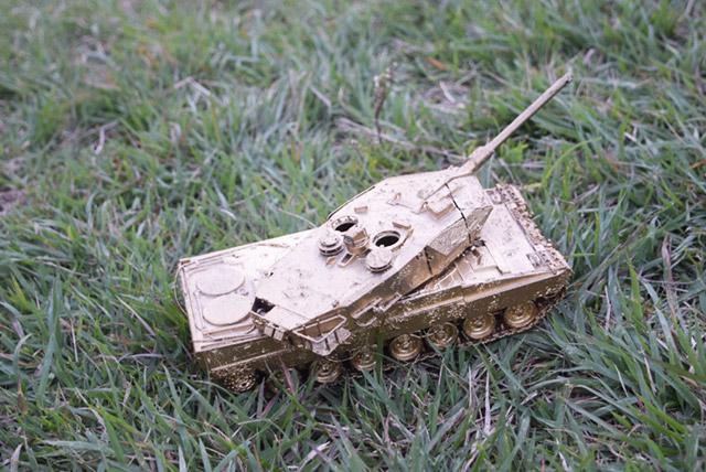 刀とピストルと戦車がリュックに入っていた。