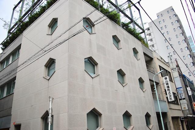 六角形の窓