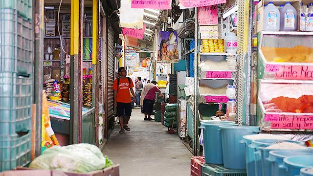 メキシコの市場を歩けば、